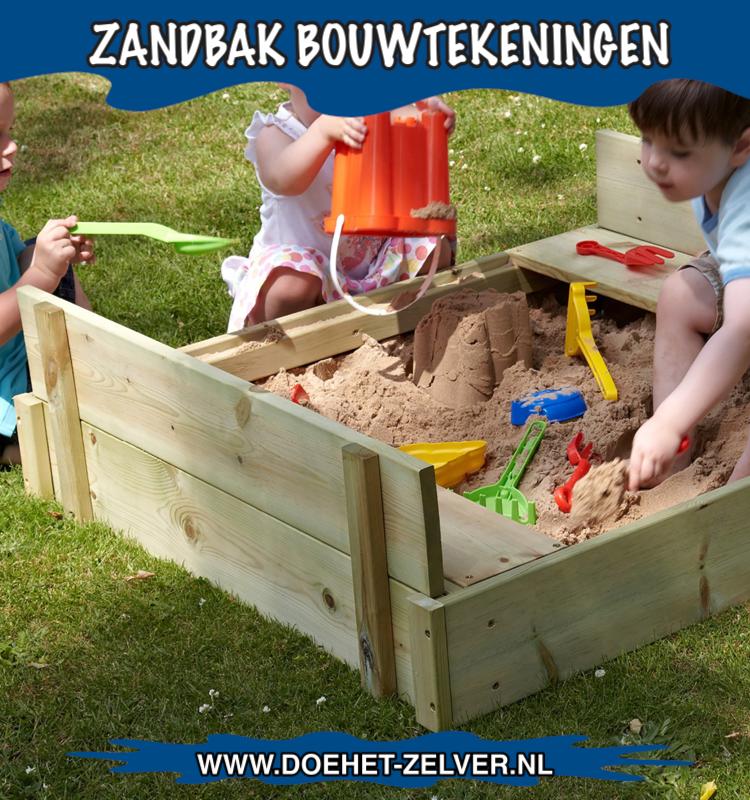 Kinderzandbak gemakt van hout en rugleuningen